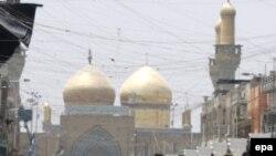 مرقد الإمام الكاظم في مركز مدينة الكاظمية ببغداد