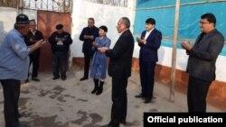 Светлана Ортиқова имконияти чекланган одамлар ҳолидан хабар олди.
