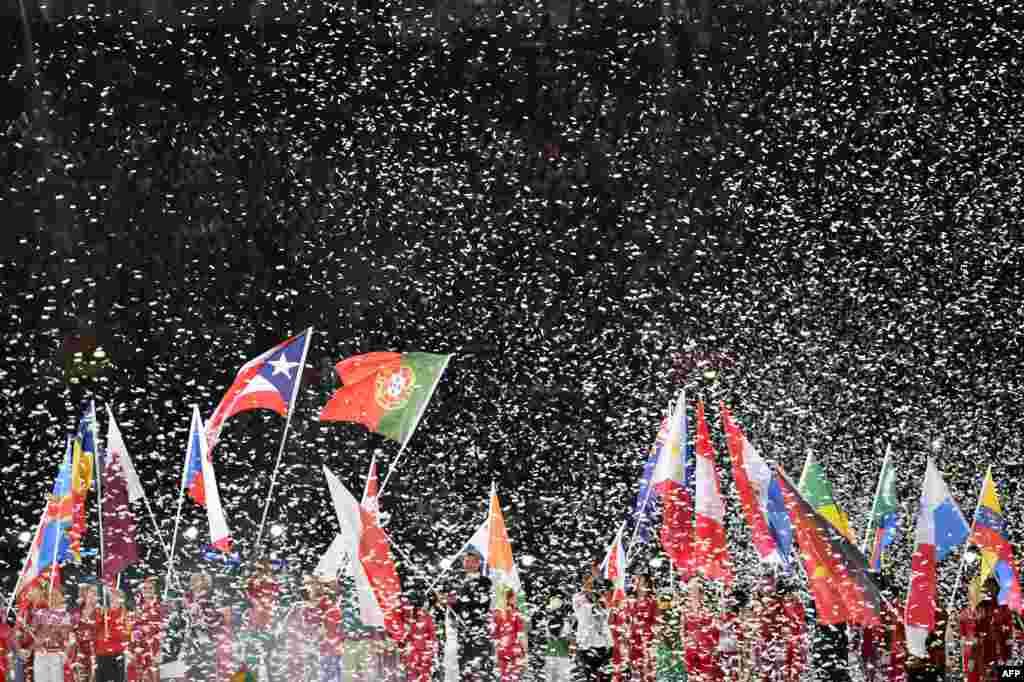В Олимпийских Играх в Лондоне участвовали 204 страны. Установлены 44 мировых и 117 олимпийских рекордов.