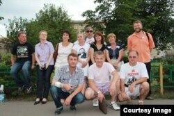 Сергей Кривов (нижний ряд, справа) на одной из акций вместе с гражданскими активистами