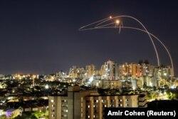 Ракети «Хамасу» по Ізраїлю, які відбиває система «Залізний купол», 14 травня 2021 року