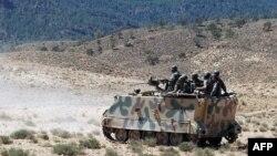 دورية تونسية في منطقة الشعامبي