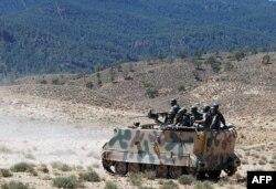 Патруль тунисской армии в районе границы с Алжиром