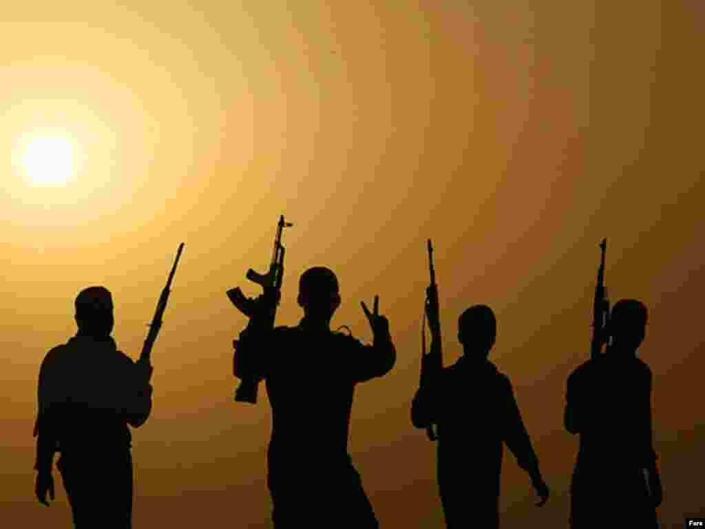 Іран. Міліціонери Басиджа під час участі у навчаннях у провінції Хузестан на південному заході Ірану - Photo by Fars