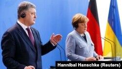 Петро Порошенко і Анґела Меркель на прес-конференції в Берліні, 10 квітня 2018 року