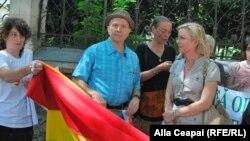 Послы США и Швеции в Молдове на гей-параде в Кишиневе, 19 мая