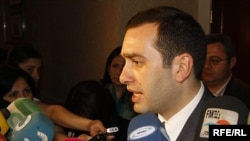 Opposition leader Irakli Alasania has indicated his intention to run for Tbilisi mayor.