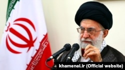 علی خامنهای رهبر جمهوری اسلامی گفته است دستگاههای فرهنگی ایران دچار ولنگاری شدهاند.