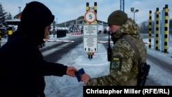 Для громадян України обмежень на кордоні немає, додав голова прикордонної служби