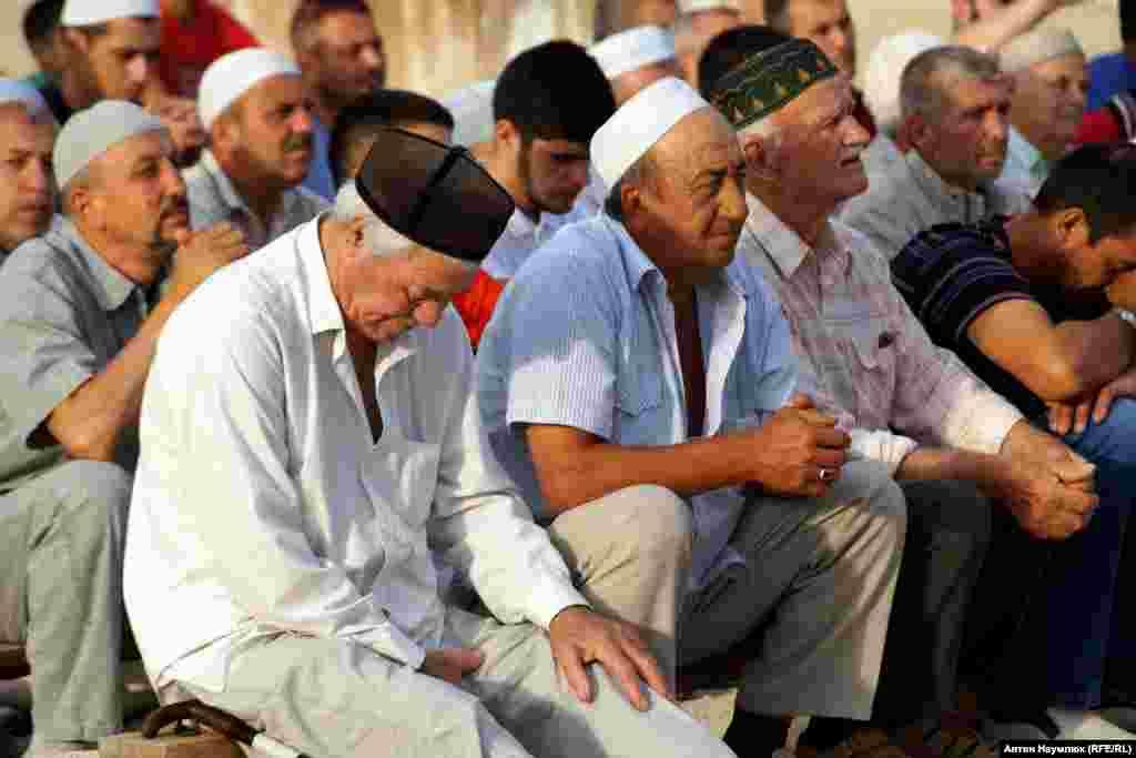 Відповіддю на судове переслідування стало фактичне об'єднання мусульман. Однією зі своєрідних форм протесту стали колективні «дуа» (молитви) за долю політв'язнів