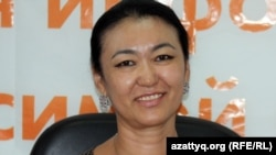 Салтанат Байкошкарова, репродуктолог-эмбриолог, на онлайн-конференции на сайте Азаттык. Алматы, 19 июля 2012 года.