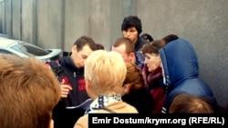 Черга у відділення ФМС у Центральному районі м. Сімферополя, 30 січня 2015 року