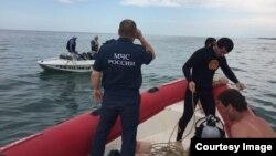 МЧС на поисках подростка в Каспийском море