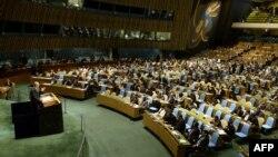ԱՄՆ - ՄԱԿ-ում Սիրիայի դեսպան Բաշար Ջաաֆարին ելույթ է ունենում Գլխավոր ասամբլեայում` բանաձեւի քվեարկությունից առաջ, Նյու Յորք, 15-ը մայիսի, 2013թ.