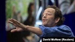 Люк Перрі зіграв у культовому серіалі 90-х героя Ділана Маккея