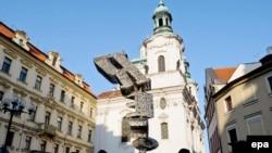 Чехия - Площадь Франца Кафки в Праге (архив)