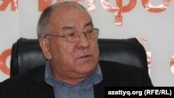 Қазақстан Коммунистер партиясының жетекшісі Ғазиз Алдамжаров. 13 қазан 2011 жыл.