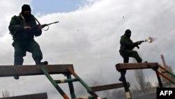 Русиянең хәрби күзләү һәм махсус көчләренең Волгоград өлкәсендәге күнегүләре. 4 апрель 2014