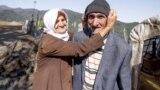 91-летний Бахман Ламазрур и его жена Кирданоз Нуспар говорят, что у них нет абсолютно ничего, кроме большой любви.
