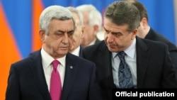 Նախագահ Սերժ Սարգսյանն ու վարչապետ Կարեն Կարապետյանը, արխիվ