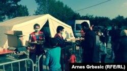 Pomoć izbjeglicama u Tovarniku, foto: Arnes Grbešić