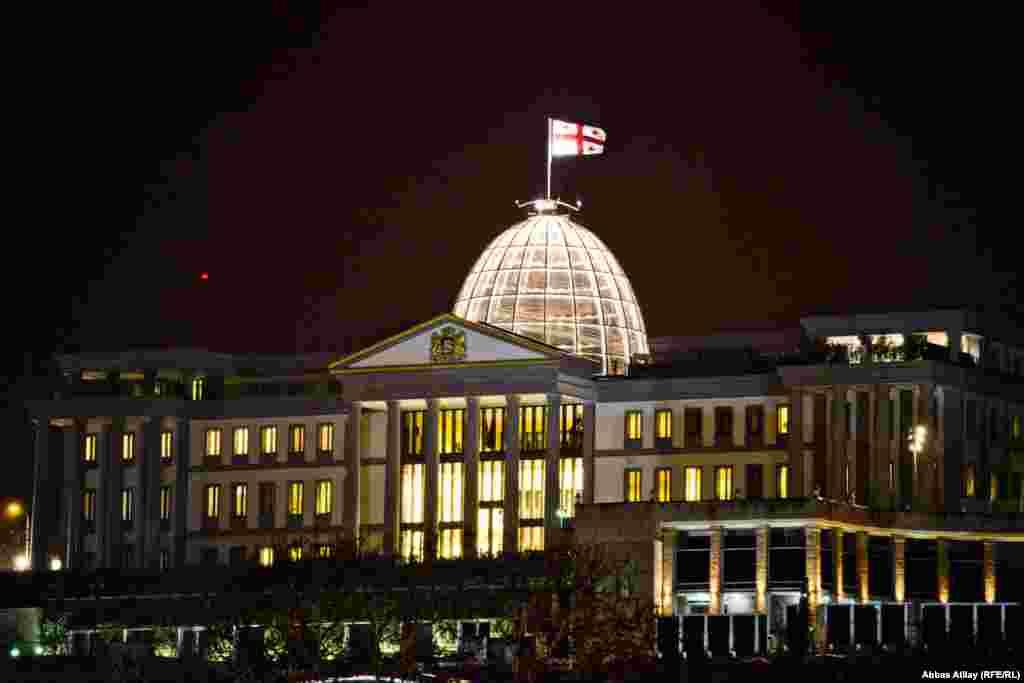 The Presidential Palace flies the Georgian flag.