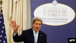 Джон Керрі на прес-конференції в Афінах, 4 грудня 2015 року