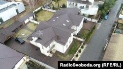 Будинок під Києвом, яким володіє племінниця Ануш Балян Гоар Габрелян