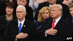 Доналд Трамп бо муовинаш Майк Пенс