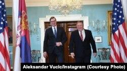 Presidenti i Serbisë, Aleksandar Vuçiq dhe sekretari amerikan i Shtetit, Mike Pompeo.