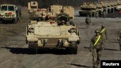 ԱՄՆ ԶՈւ զինծառայողներ և զրահատեխնիկա Լեհաստանում զորավարժությունների ժամանակ, արխիվ