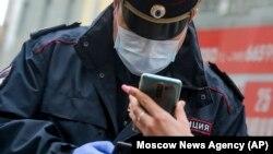 Полицейский в Москве, Россия (иллюстрационное фото)