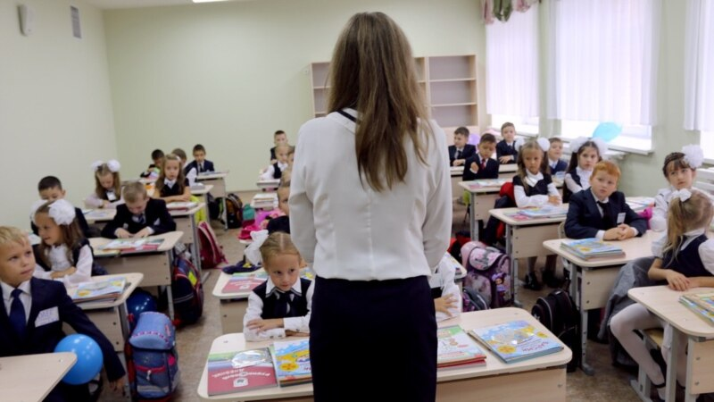 Teachers In Tatarstan 'Asked' To Sponsor WWII Events