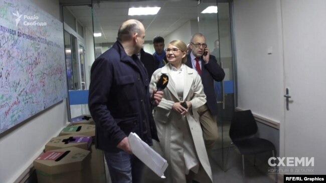 Кандидатка Юлія Тимошенко спілкувалася зі «Схемами» не надто охоче й уникала питань щодо зв'язку із Ігорем Коломойським