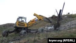 Техніка на схилах гори Мітрідат у Керчі
