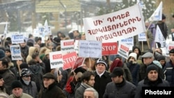 Armenia - Young professionals and civic activists demonstrate against controversial pension reform, Yerevan,17Dec2013.