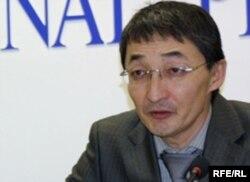 Нурлан Бейсекеев, адвокат бывшего топ-менеджера Мухтара Джакишева. Астана, 2 марта 2010 года.