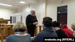 Уладзімер Арлоў на судзе
