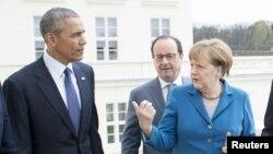 Президент США Барак Обама (л), президент Франції Франсуа Олланд та канцлер Німеччини Анґела Меркель (п), ілюстративне фото