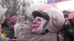 Протестувальники на Грушевського кажуть, що затримали провокатора