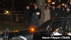 На месте убийства Шабтая Калмановича. Москва, 2 ноября 2009 г.