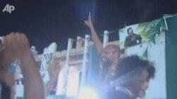 Синот на Гадафи слободен во Триполи