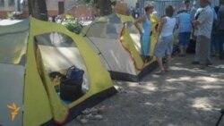 Hunger Strike Over School Closures