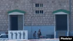 Захваченное здание полиции