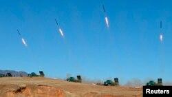 یک واحد توپخانه کره شمالی