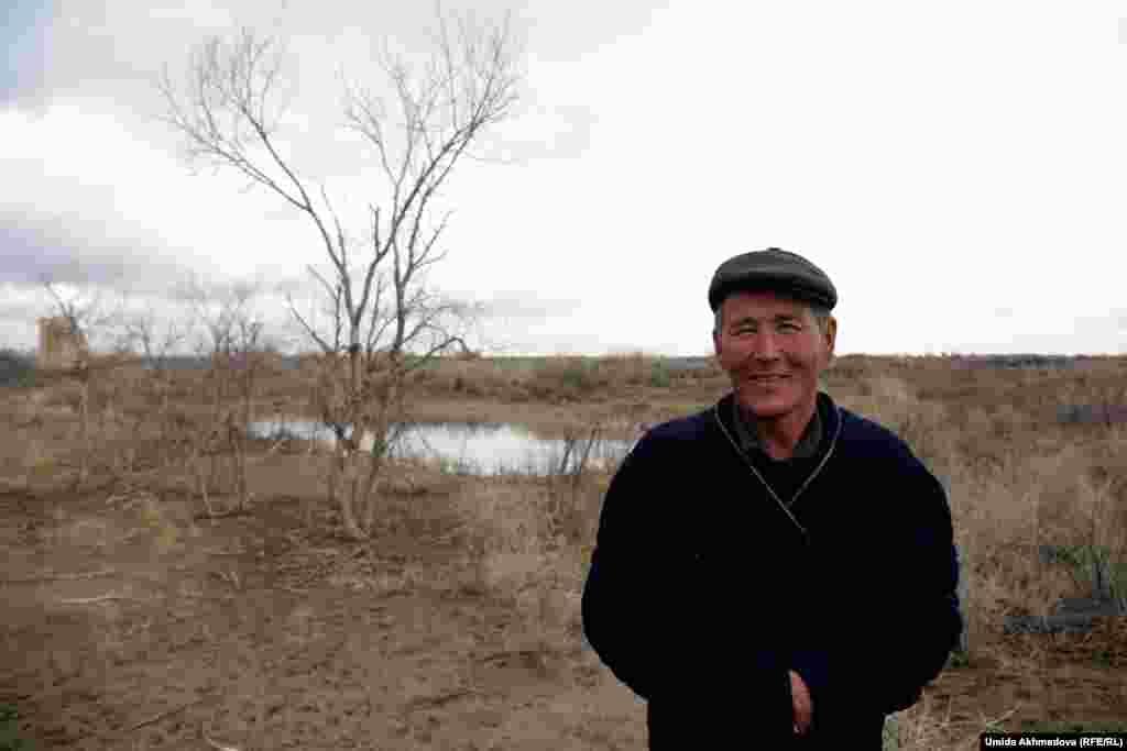 Житель Алгабаса Досболат Шугураев. Они с братом держат свое фермерское хозяйство.