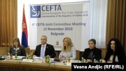 Gjatë vitit 2010, CEFTA-n e ka drejtuar Serbia. Kjo e fundit dhe Bosnjë-Hercegovina që dy vjet kanë bllokuar mallrat e Kosovës, për shkak të ndërrimit të vulave nga ato të UNMIK-ut në vula të Republikës së Kosovës.
