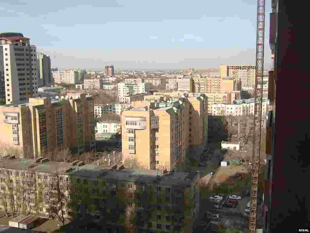 Астана, город-мечта Шолпан и десятков тысяч других молодых людей, кто ищет счастье в новой столице Казахстана. - Астана, город-мечта Шолпан и десятков тысяч других молодых людей, кто ищет счастье в новой столице Казахстана.