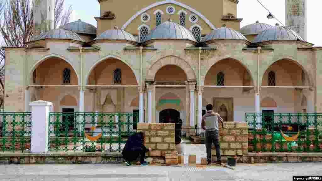 Реконструкция культовых сооружений в Евпатории