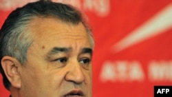 Лидер оппозиционной партии Кыргызстана «Ата Мекен» Омурбек Текебаев.
